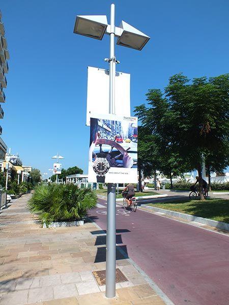 Striscioni-stradali-pali-luce-riccione