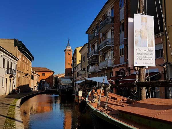 Struttura-sostegno-cartelloni-misano-adriatico